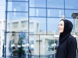 Jilbab Monochrome