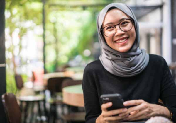 Tips memilih Jilbab Monochrome